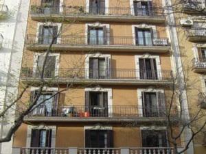Fachada a la calle Rocafort, 155 de Barcelona